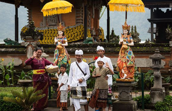 Great Expectations: Hindu Revival Movements in Java, Indonesia